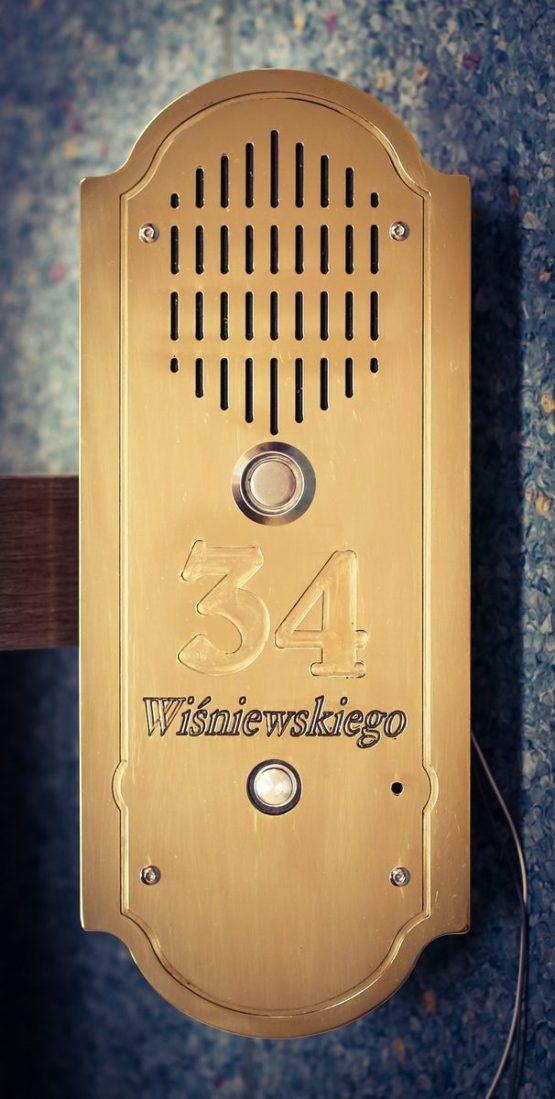 Mosiężny domofon retro